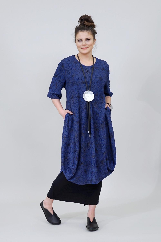 Linkin Kleid in Tulpenform...